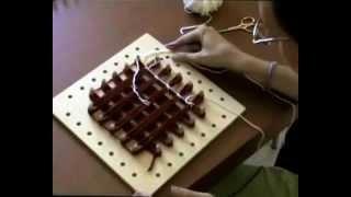 Corso di lavoro a telaio a mano, via YouTube.