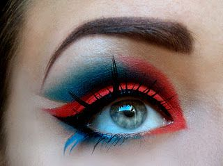 makeup that really reminds of superman. It is gorgeous i love how they made very sharp edges and really defined the crease.