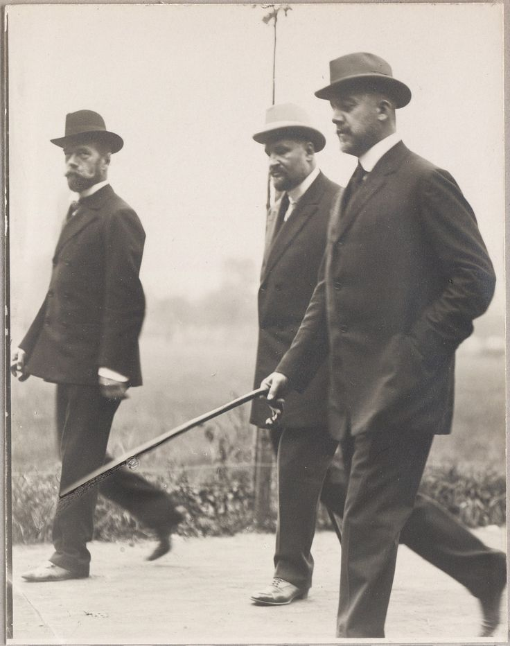 Nicholas II, Dr. Botkin, and captain Drenteln. 1910. Gamburg, Germany.