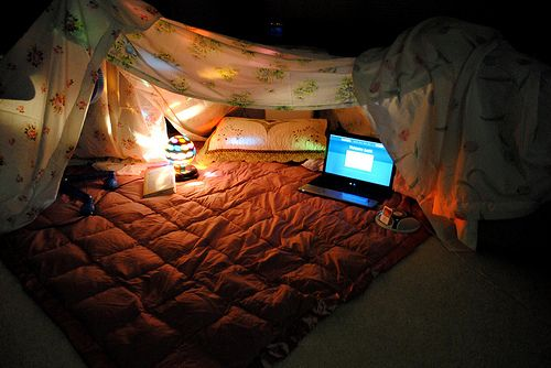 how to make an epic blanket fort