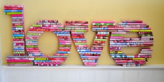 All You Need Is Love. Fun rolled paper art por UpAgainstTheWall
