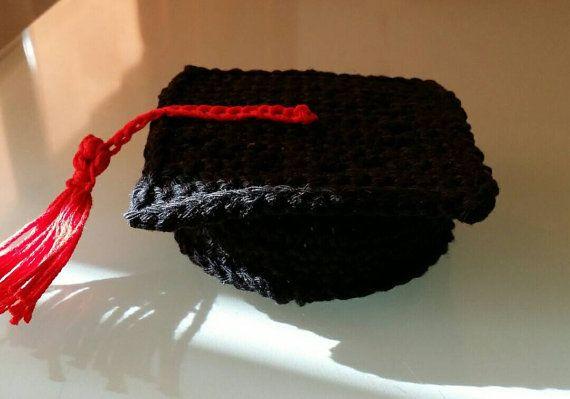 Guarda questo articolo nel mio negozio Etsy https://www.etsy.com/it/listing/272678138/bomboniera-all-uncinetto-cappellino