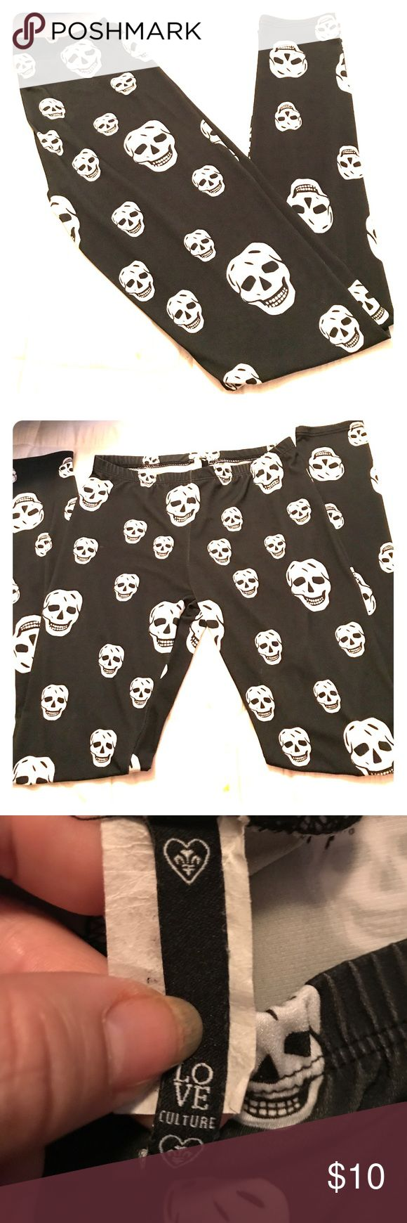 GIRLS LEGGINGS BLACK AND WHITE SKULLS GIRLS LEGGINGS BLACK AND WHITE SKULLS SIZE SM Love Culture Bottoms Leggings