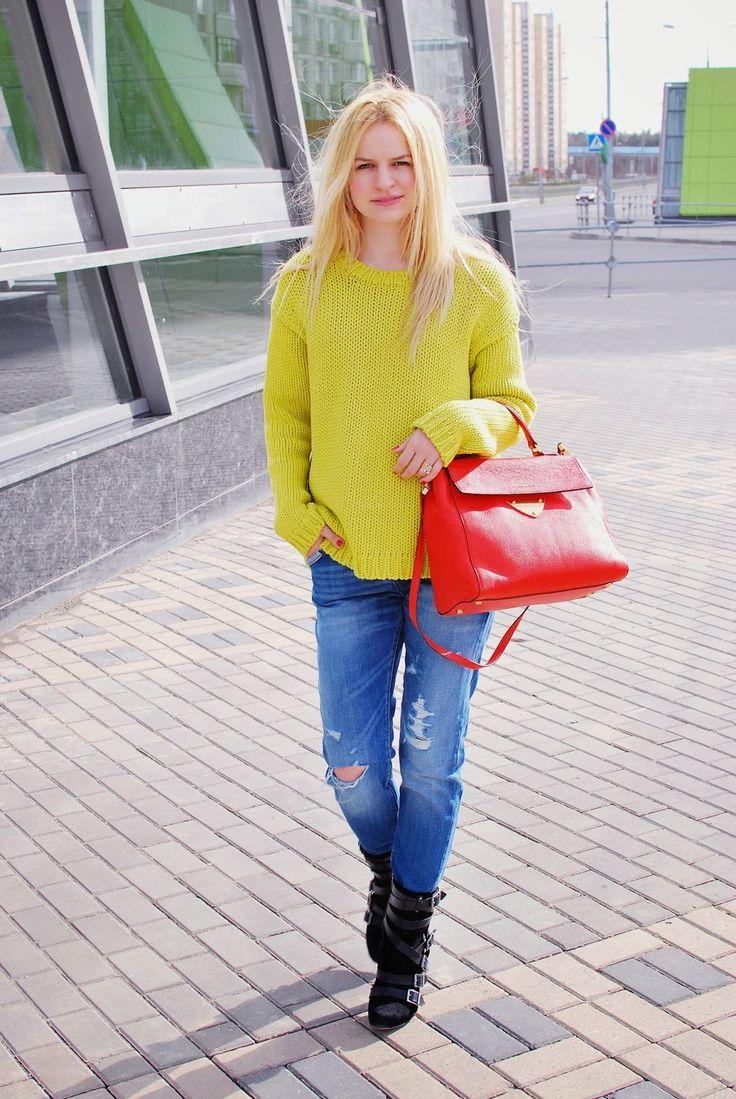 sripped jeans and baggy sweater- Irina Pavlova