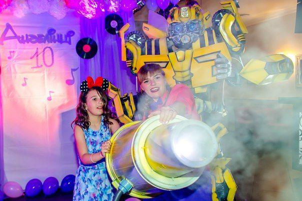 Ростовые костюмы трансформеров для супер праздников. Купить костюм желтого трансформера Бамблби от Any Robots. Изгтовление любых персонажей на заказ. Каталог и цены на сайте www.any-robots.com #Транcформеры // #Bumblebee // #Бамблби #AnyRobots #cosplay #Transformer_Ukraine #costume #animator #event #производство #продажа #костюмыроботов