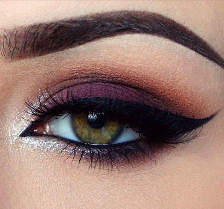 dark purple + cat eye  Fanneydora.blogspot.com
