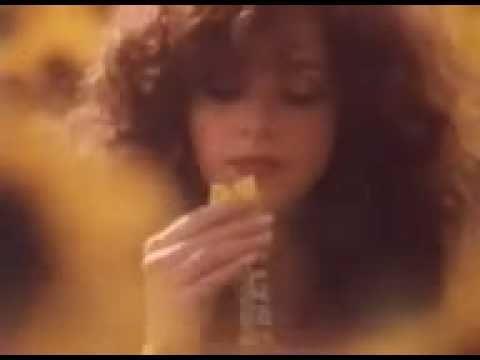 1980's Cadbury's Flake Advert (Sunflowers & Gypsy Caravan)