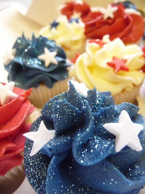 American themed Cupcakes by obliviousfire, via Flickr