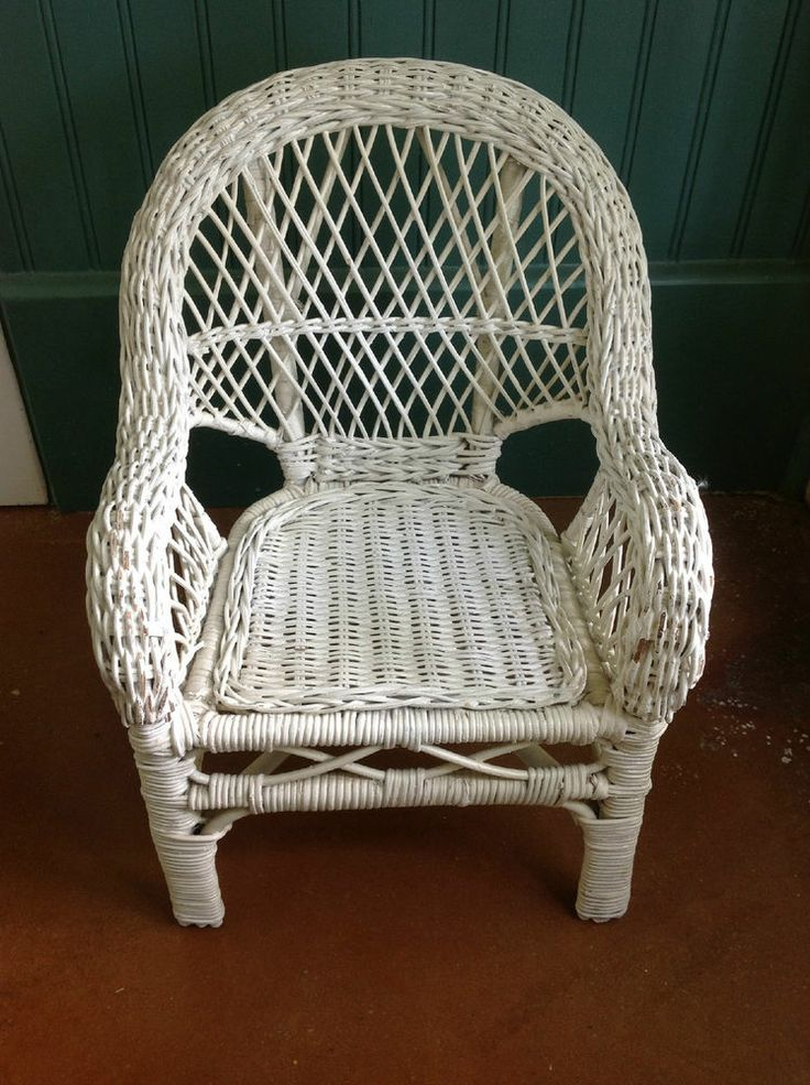 Charming SMALL WHITE WICKER CHAIR FOR A DOLL