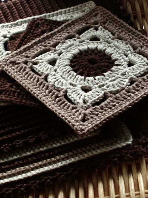 """Willow"" Pattern in Ravelry: http://www.ravelry.com/patterns/library/willow"