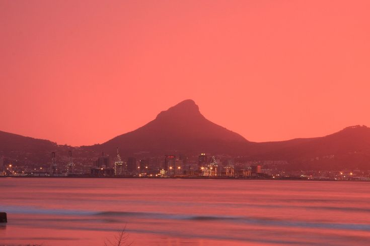Amazing red sky in #CapeTown