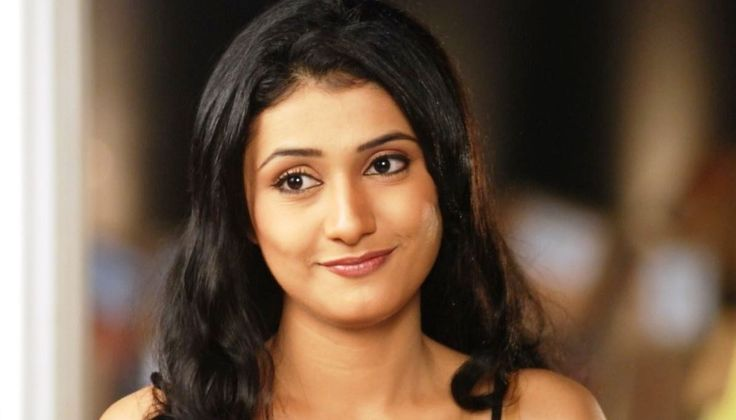 Ragini Khanna Filmography – Get Complete Information of Ragini Khanna movie list from 2011-2017 to till date. Also get the complete list of Ragini Khanna latest and upcoming Bollywood films till now.