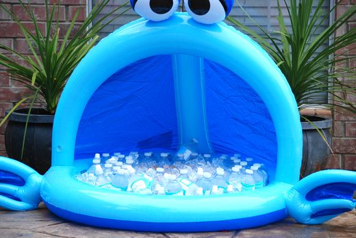 love this idea for a cooler!: Kids Parties, Birthday Parties, Drinks Coolers, Cute Ideas, Summer Parties, Parties Ideas, Pools Parties, Baby Pools, Kiddie Pools