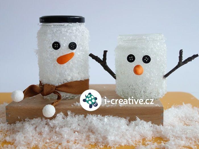 Vytvořte si společně s dětmi roztomilou dekoraci- sněhuláky ze sklenic od zavařenin, kteří můžou sloužit nejen jakozimní či vánočnídekorace, ale také mohou najít uplatnění jako svícínky na čajové svíčky, stojánky na pastelky nebo nádobky na…