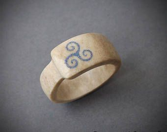 Tamaño 12 Estados Unidos, anillo Triskele Anillo asta, joyería de cuerno, anillo de Scrimshaw, anillo de Teen wolf, anillo vikingo, joyería vikinga, anillo BDSM