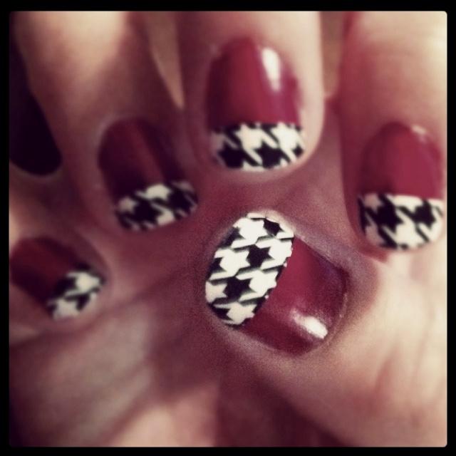 Alabama nails, houndstooth