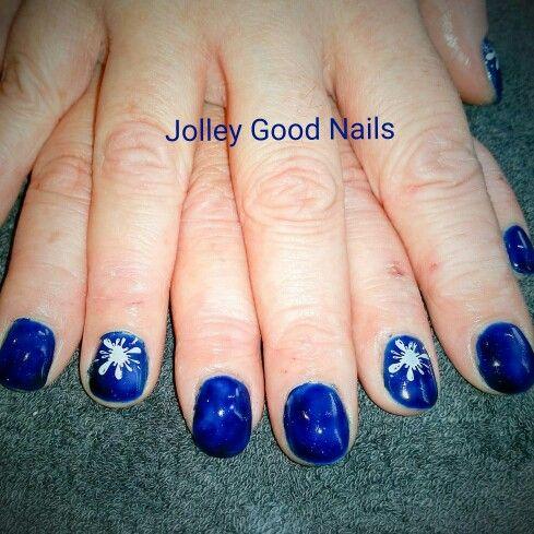 #holidaypartyblues  #gelpolish #naildesign #jolleygoodnails  #gelish #nailsoftheday #nailfashion  #nailsart #scratchmagazine #lovemyjob #lovenails #nailswag #glitternails #naturalnails