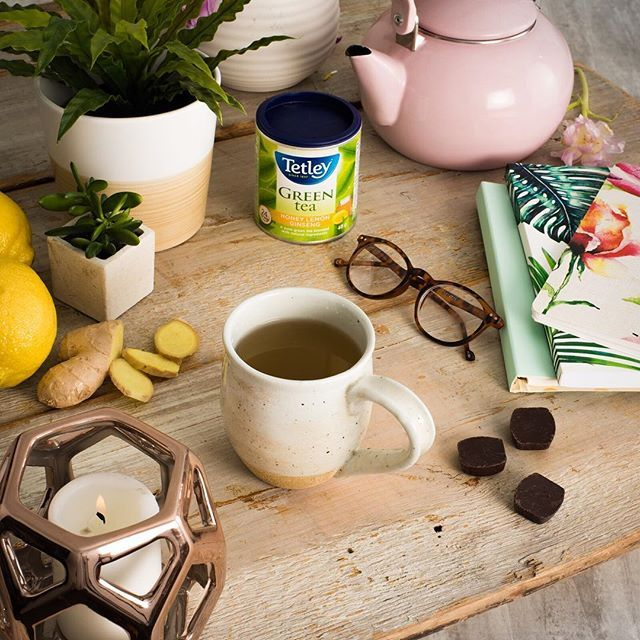 Taking a moment to ourselves with the perfect combo of tantalizing green tea , zesty zing of lemons and hint of sweet honey.  #tealove #teaforlife #keepittetley #tetleyforlife #teastagram #instatea #tealife #teaaddict #teaoftheday #tetleycanada #tetleytea #teatime #cupoftea #tea #teatip #cuppa #steepedtea #vscotea #momentsofmine #livethelittlethings #flashesofdelight #imsomartha #serenity #serene #serenitea