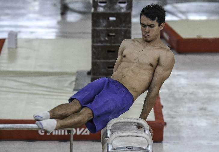 El gimnasta colombiano Jossimar Orlando Calvo Moreno el 4 de mayo de 2016 en Cúcuta, Colombia