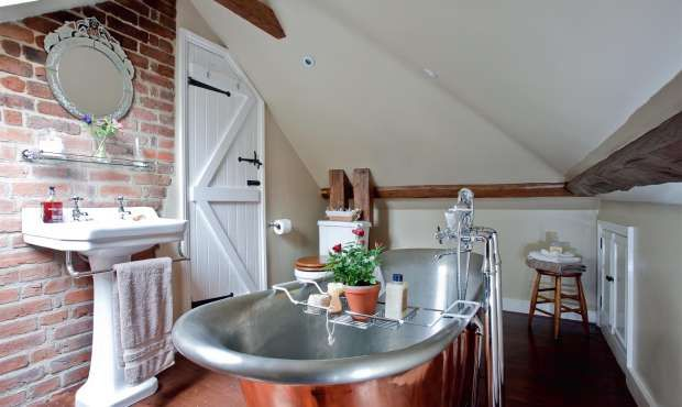 Converting A Loft To Create A Master Suite Real Homes Tiny House Pinterest Rustic