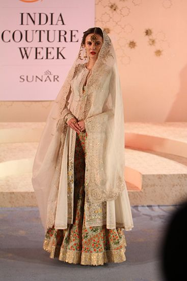 Anju Modi - Amazon ICW 2015 - Fav Look 1 - Love the muted top and the pop of colors at the bottom.