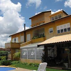 Conjunto residencial con piscina  por JMN arquitetura