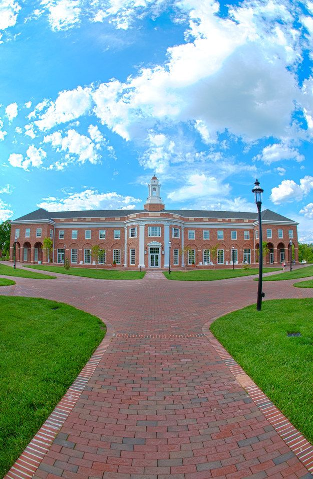 Another profile of the new admissions building | 10 Photos That Prove That Elon University Is Still The Most Beautiful Campus