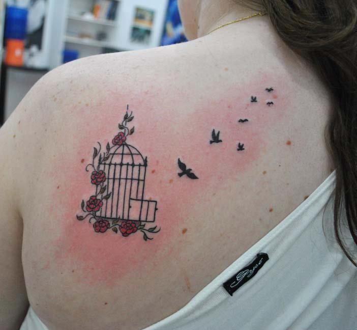 tatuagens de passaros femininas