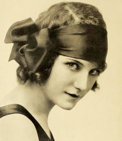 Viola Dana in 1919 (1897-1987). American film actress who was successful during the era of silent movies.