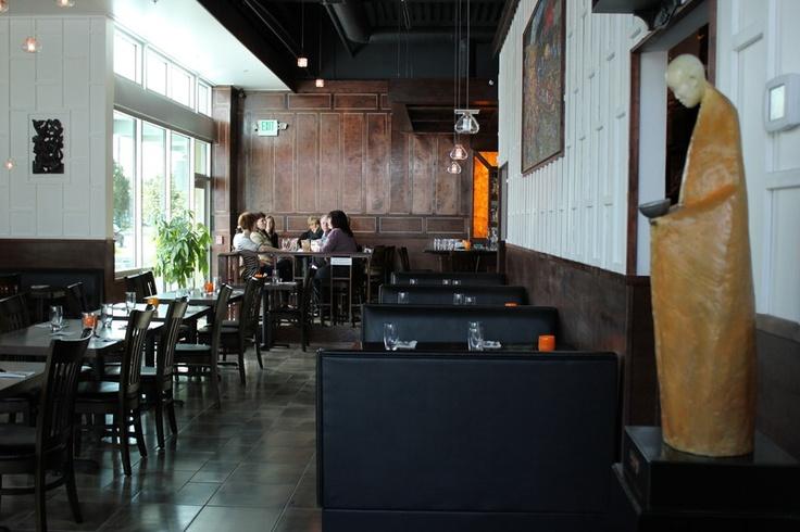 Interior of Mango Seattle Thai Restaurant near SeaTac Airport
