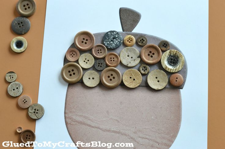Button Acorn Kid Craft w/free printable template - perfect to celebrate this beautiful fall season with!!!