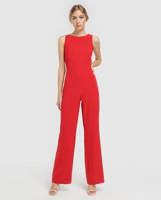8da23b91244 Mono largo en color rojo, con adorno de tiras en la espalda. Sin mangas