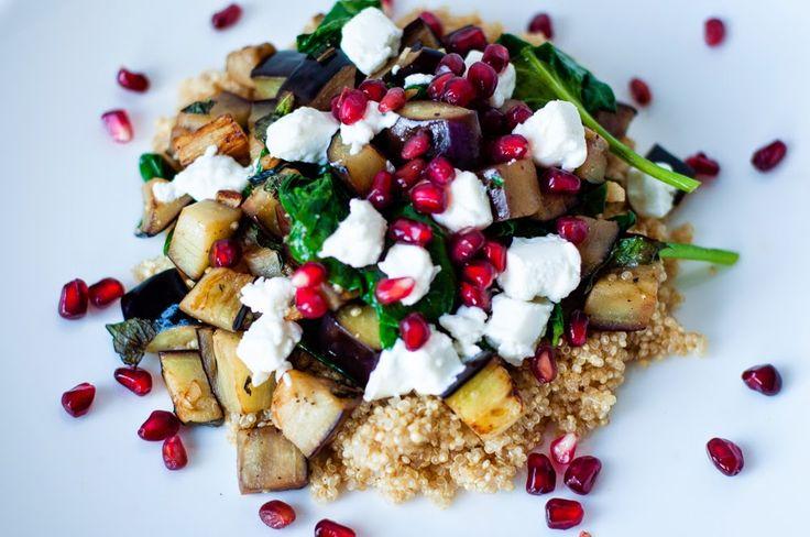 Three girls, one kitchen! : Wat eten we vandaag: Quinoa met aubergine, granaatappel en verse kruiden