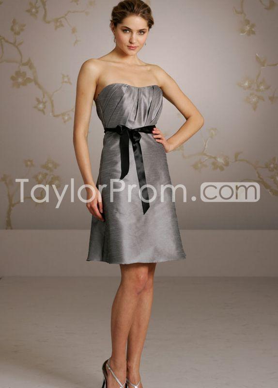 A-line Strapless Sleeveless Knee-Length Bridesmaid Dresses