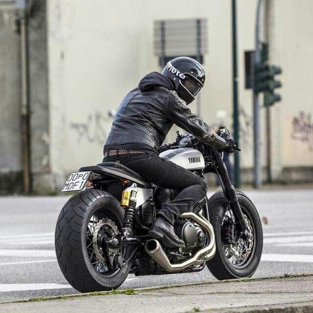 CAFE RACER  Instagram.com/caferacergram Moto di Ferro testing out their custom Yamaha Bolt From: motoculturalist