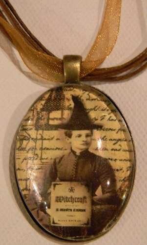 vintage witch glass pendant ...Want!