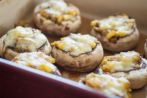 vegetarisch gefüllte Champignons aus dem Ofen
