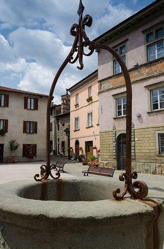 Well in The Town Center, Castiglione di Garfagnana, Tuscany, Italy