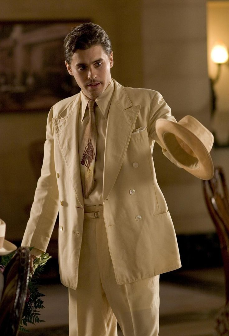 Jared leto as ray fernandez in lonely hearts i dont