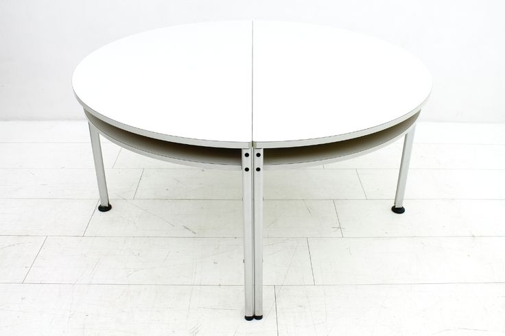 Dieter Rams 2 x 1/2 Round Office Table, Vitsoe Tischprogramm 570 « Inside Room