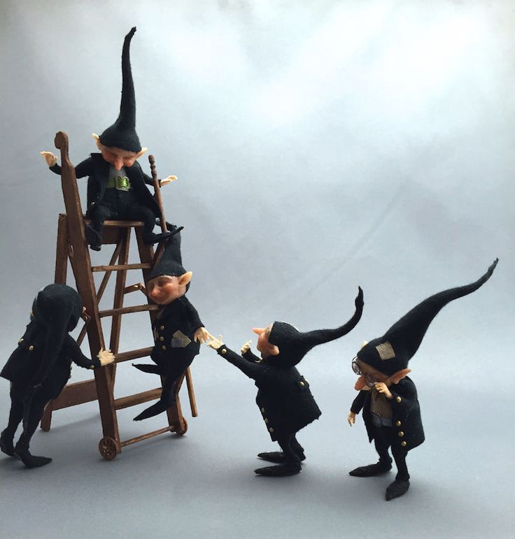 The Thicket-People´s-Witch/wizard helper gnomes... Busy busy little gnomes... - tiny little handmade gnomes in 1/12th scale... FIVE gnomes are in this auction!