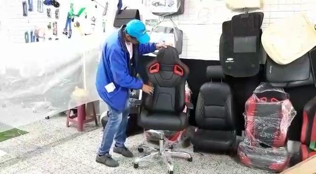 Como Queda Silla Gamer Fabricada En Tapiforros 7 De Agosto Video Silla Gamer Sillas De Oficina Sillas