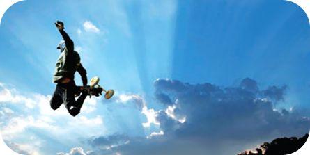 Yota is een zeer succesvolle Russische telecomprovider. Een relatieve nieuwkomer die in een paar jaar tijd bestaande telecomgrootmachten achter hun oren doet krabben. Met minder middelen dan de concurrentie. Een belangrijk deel van het succes komt voort uit de Flat Structure Approach. Yota director Viktor Sizov en HR Business Partner Evgeniya Fastova zijn ontwikkelpartners van De Hele Olifant in het doorontwikkelen van het Horizontaal Organiseren bedrijfsconcept.