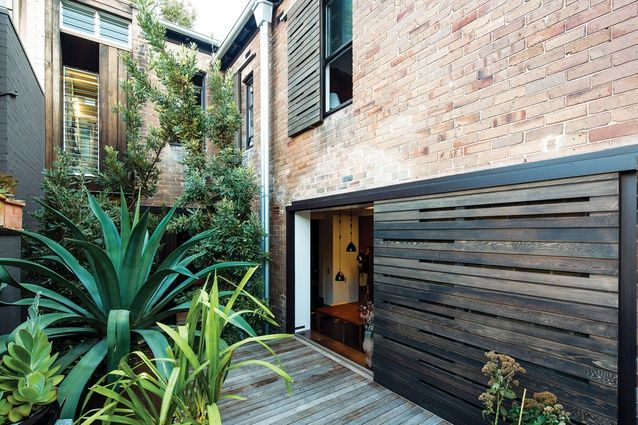 Shutter House, Sydney, by Louise Nettleton Architects. Photo by John Gollings.