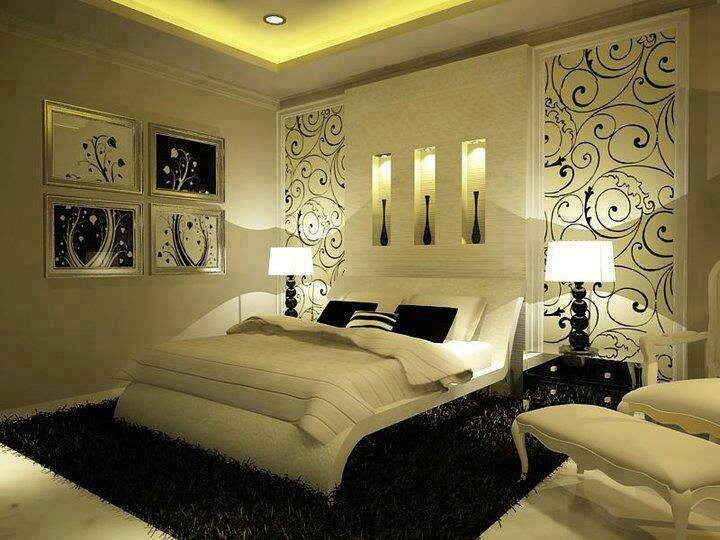 Bedroom Idea Love the black fluffy rug underneath the white bed accented with two black lamps :)