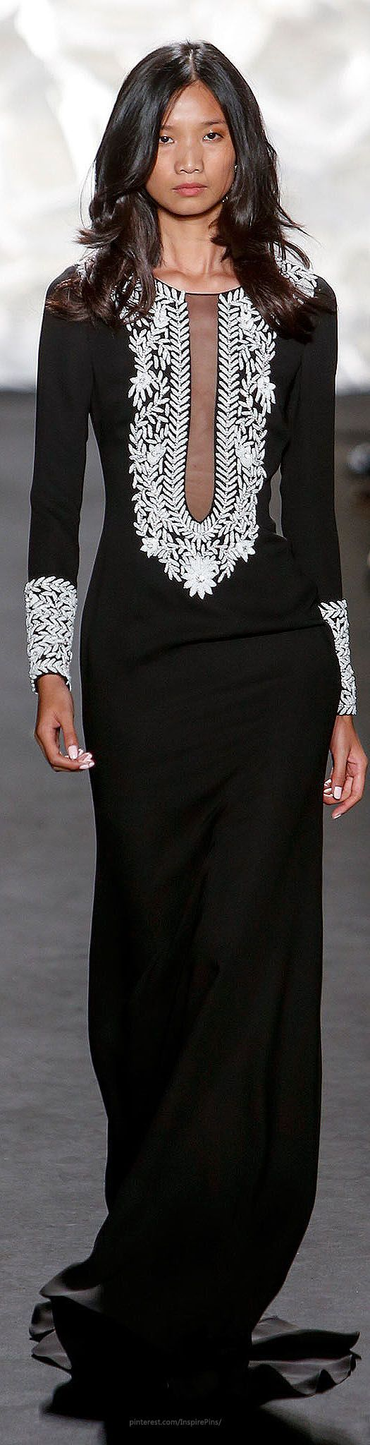 Naeem Khan Spring 2015 Ready-to-Wear. This is a beautiful dress.