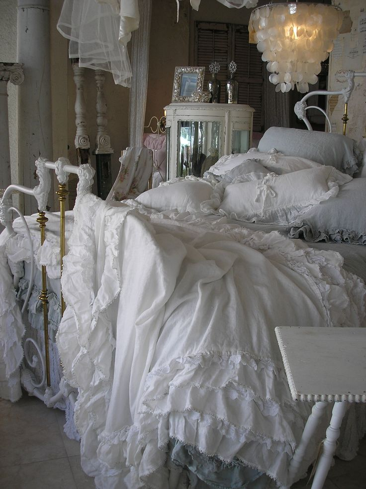 .: Dreams Bedrooms, Crisp Clean, Shells Lamps, White Beds, Fluffy Beds, Beds Linens, Sweet Dreams, Clean White, Chic Bedrooms