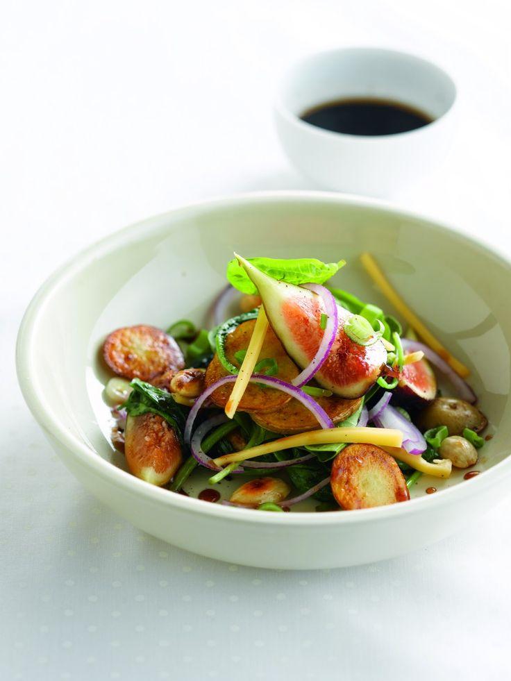 Aardappelsalade met vijgen, oud brugge en spinazie