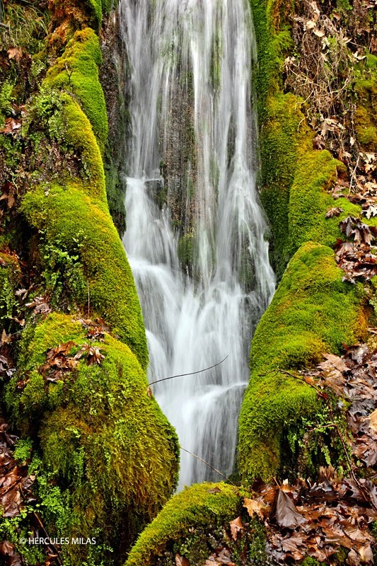 Small waterfall at Aghios Ioannis, 2 km east of Serres, Macedonia, Greece / photo by Hercules Milas