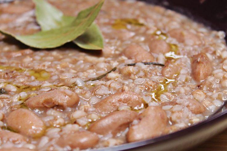 zuppa di fagioli borlotti, orzo e grano saraceno